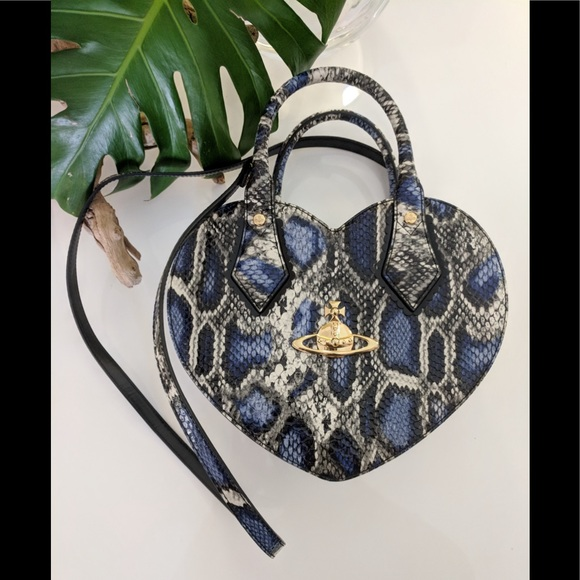 3a93b63a77 Vivienne Westwood Anglomania Frilly Snake Heart. M_5ac5751f8290af9b9c379527